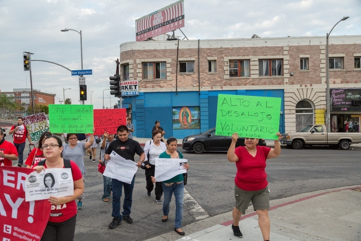 Vermont & Beverly Local, LA Tenants Union Anti Landlord Harassment Action, 2016 (photo by Timo Saarelma)